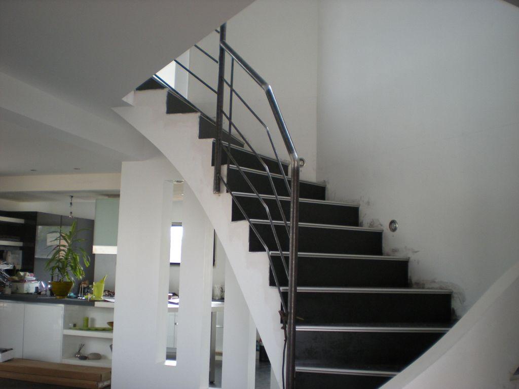 Escalier béton - Cote D'or (21) - juillet 2011 - Photo #476592 par Douzou