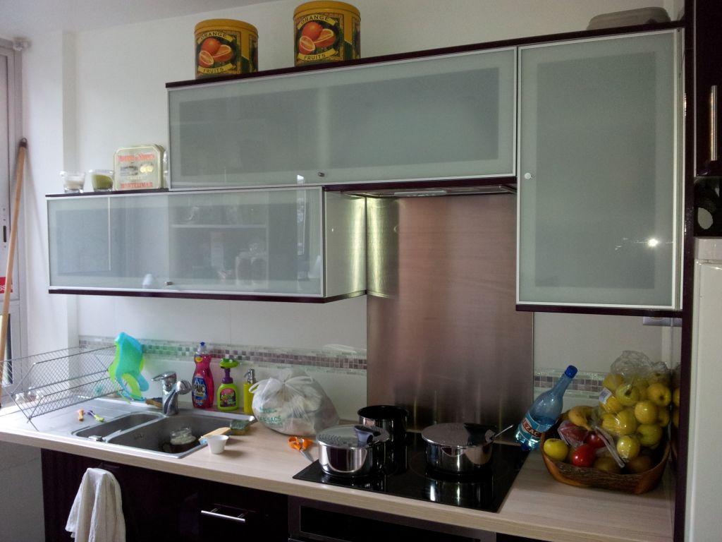 Eclairage Led Dun Plan De Travail Messages - Spot sous meuble cuisine ikea pour idees de deco de cuisine