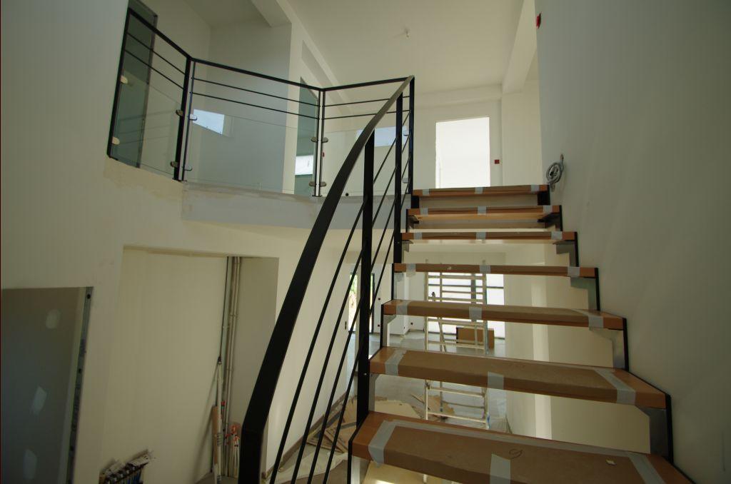 Escalier d'interieur desservant l'étage - Cote D'or (21) - mai 2012