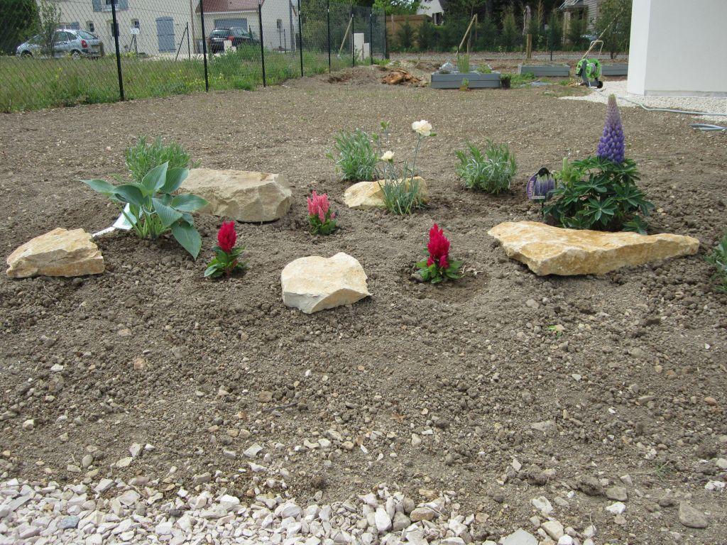 Petit coin fleurs et rocaille cote d 39 or for Prix entretien jardin