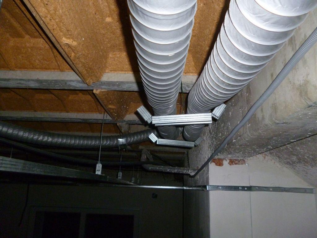 Pose des conduits minigaine pour ventilation double flux - Gaine de ventilation ...