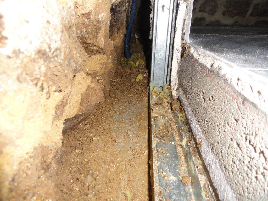 combler un vide entre dalle b u00e9ton et mur de pierres