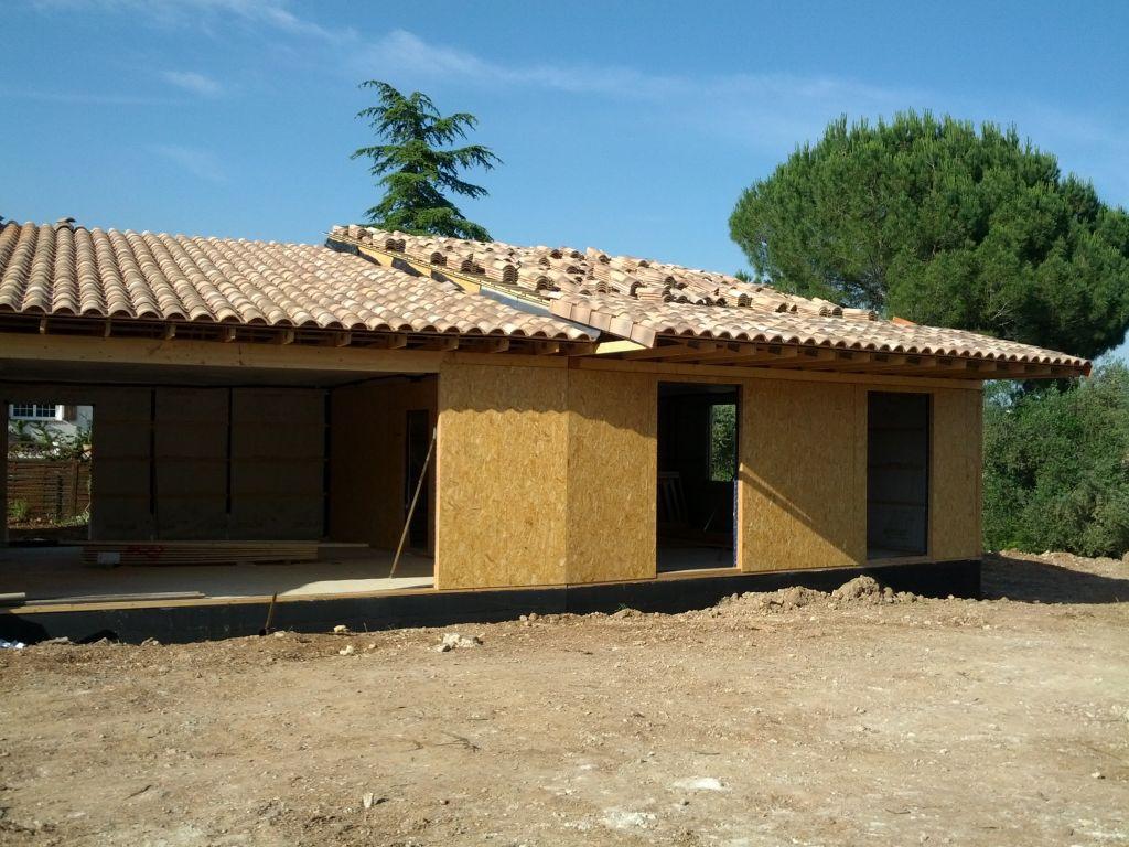 3ème partie de la toiture en cours.