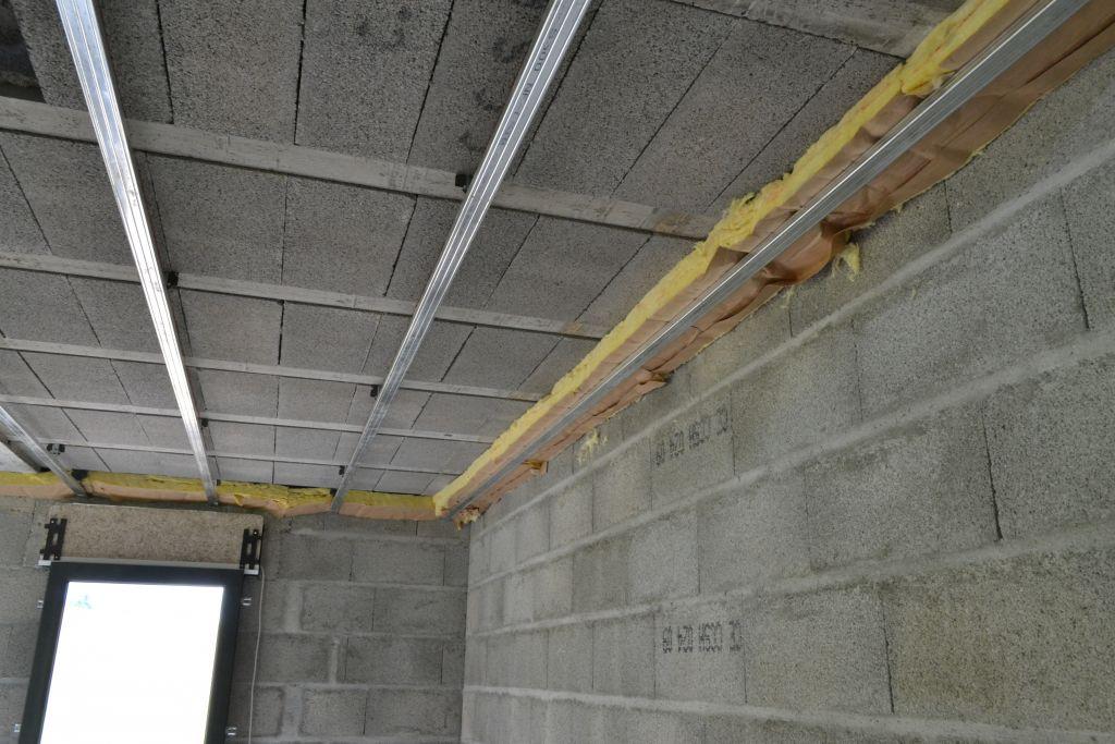 r alisation de l 39 assainissement faux plafond isolation suite la bridoire savoie. Black Bedroom Furniture Sets. Home Design Ideas