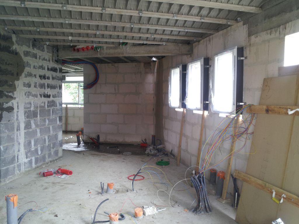 20120611 - Hors d'air - Démarrage électricité - Plomberie