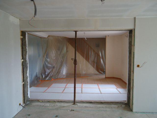 ouverture entre les 2 maisons pose des plaques et bandes chambre rdc ouverture entre les 2. Black Bedroom Furniture Sets. Home Design Ideas