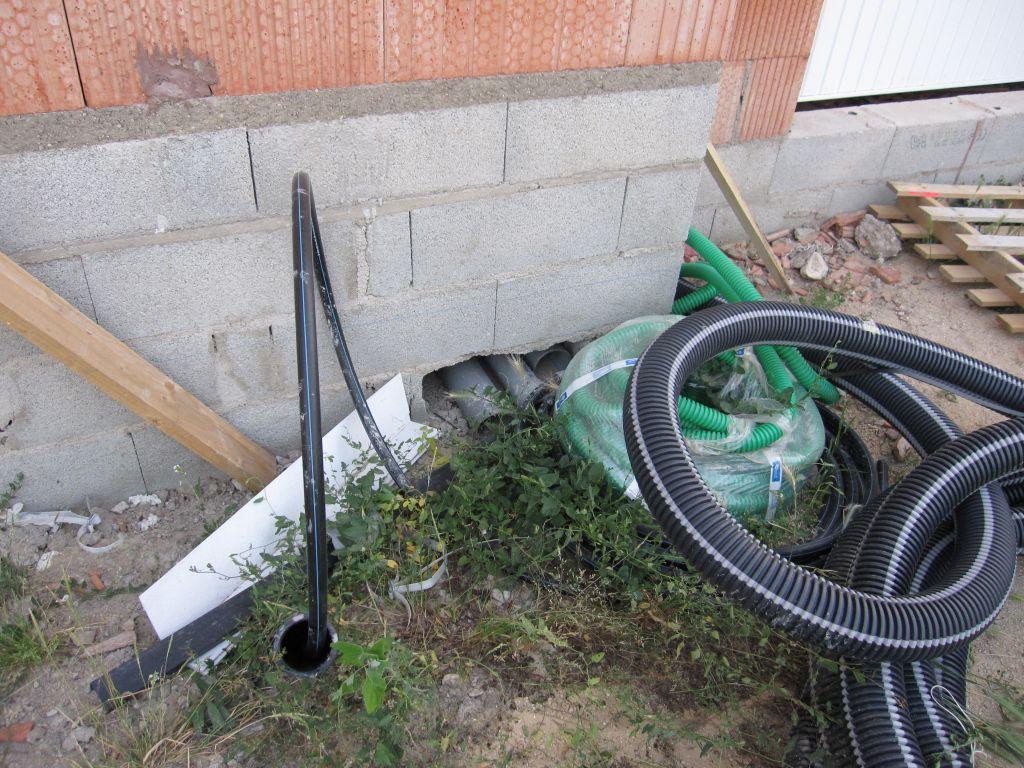 installations d'eau au pied de la maison