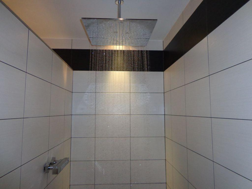 photos de vos salles de bain une fois termin es 1335 messages page 73. Black Bedroom Furniture Sets. Home Design Ideas