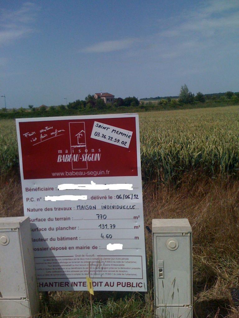 """installé devant notre """" champs de blé """""""