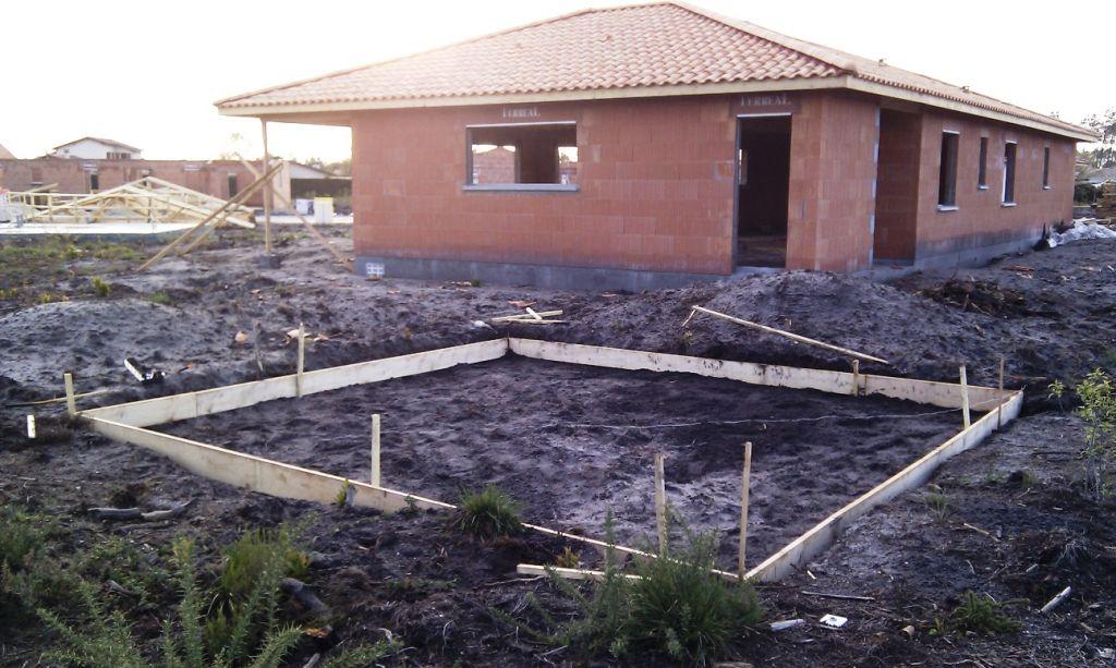 Larche De Biganos La Cabane Au Fond Du Jardin Biganos