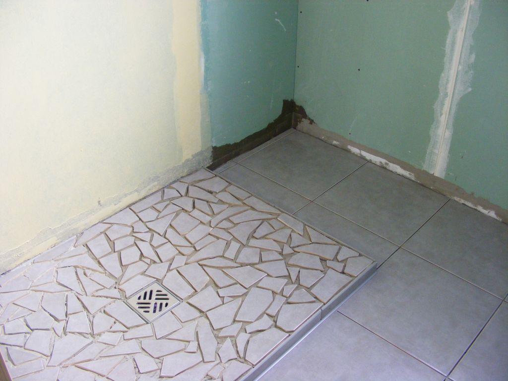 carrelage avant ou apres receveur salle de bain avec douche luitalienne la vritable douche. Black Bedroom Furniture Sets. Home Design Ideas