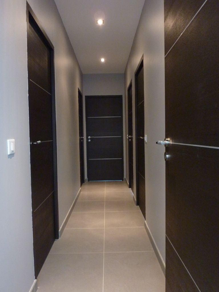 Pose carrelage 50x50 dans couloir 24 messages for Carrelage entree