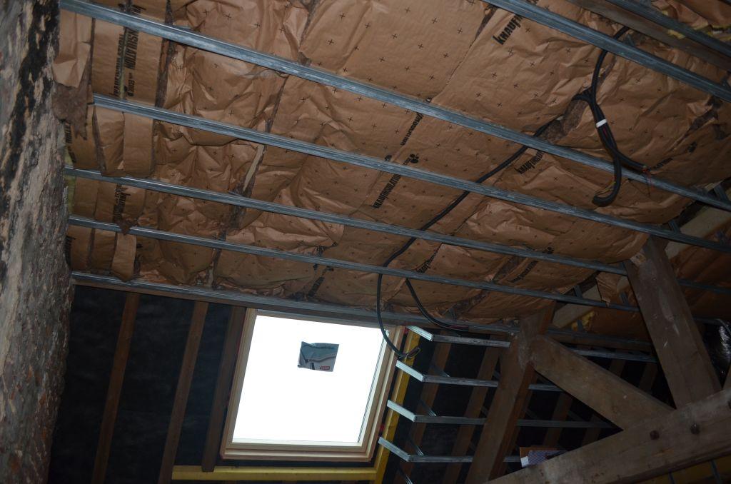 Travaux d 39 isolation plafond et pose du placo travaux d for Placo isolation mur interieur