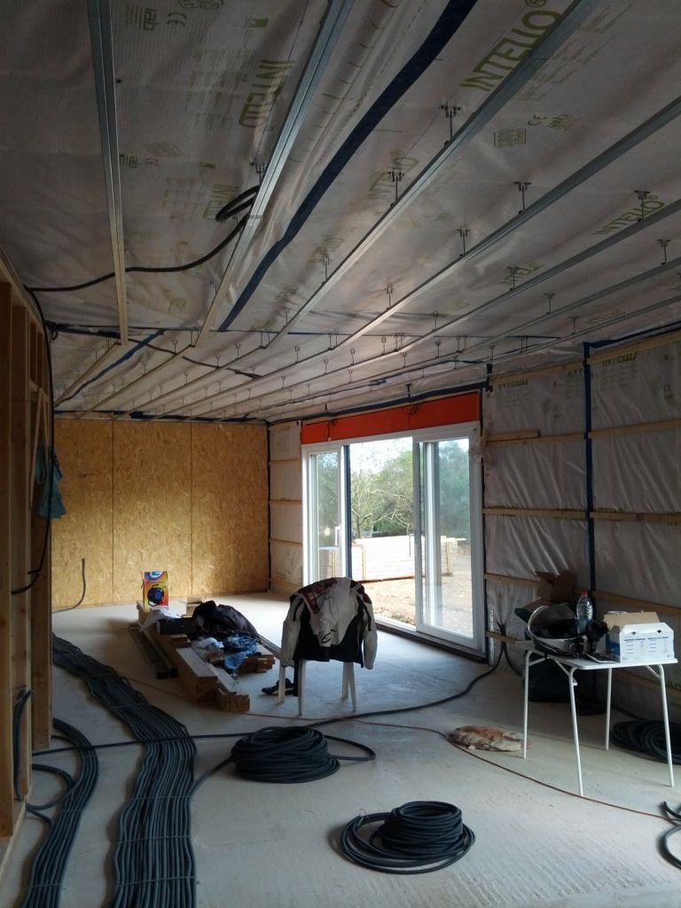 Rail dans le salon / salle a manger   électricité
