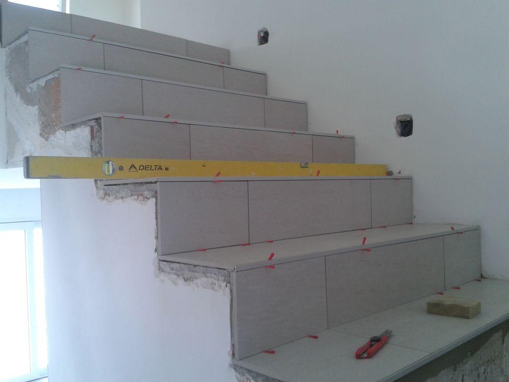 Carrelage escalier parquet pos dans chambre parentale for Pose carrelage sur escalier