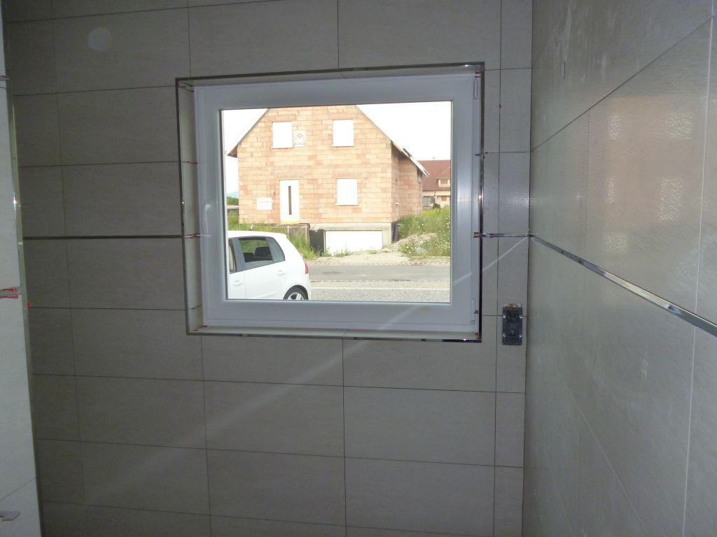 Carrelage salle d 39 eau du rdc escalier carrelage - Poser une baguette de finition carrelage ...
