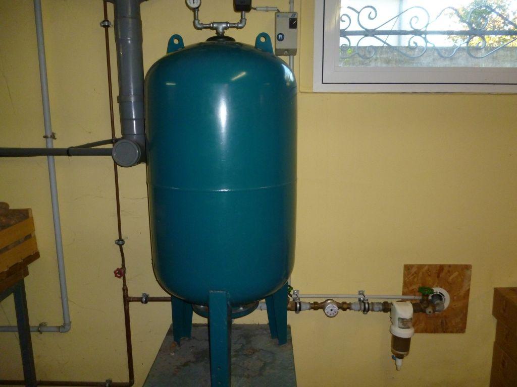 Role et reglages d 39 un ballon sur un arrosage integr 18 for Installation d eau maison
