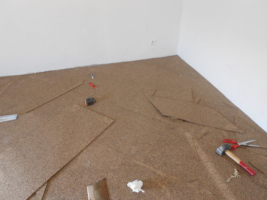 sous couche carrelage sol cool avant ragrage sol passer. Black Bedroom Furniture Sets. Home Design Ideas