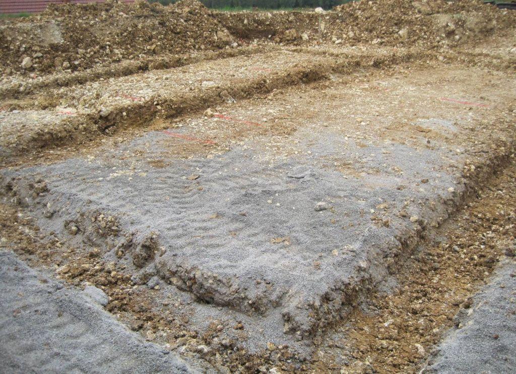 Creusage des fouilles avant coulage des fondations