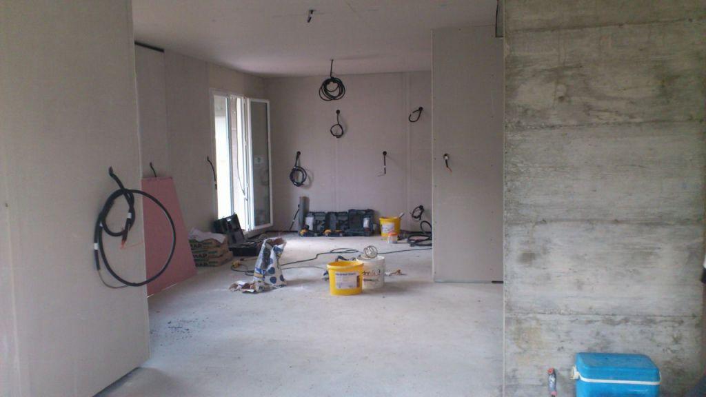 rattraper le niveau de la dalle beton 11 messages. Black Bedroom Furniture Sets. Home Design Ideas