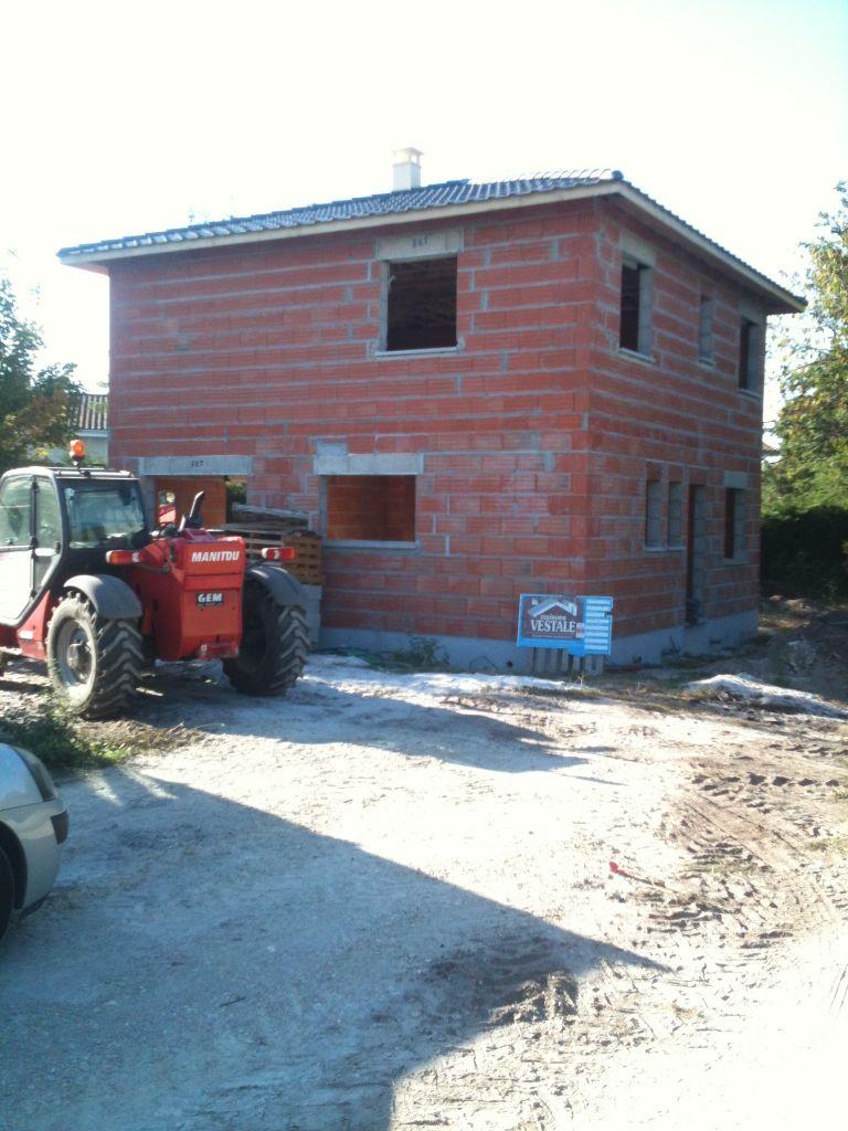 charpente et toiture posée en 2 jours...   cheminée