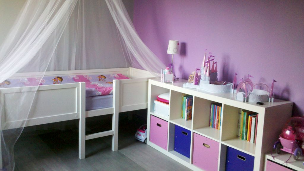 Chambre d'enfant sols parquet / stratifié - Ain (1) - septembre 2012