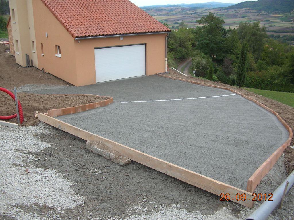 Descente de garage b chage des talus pr paration d 39 une for Descente de garage en beton desactive