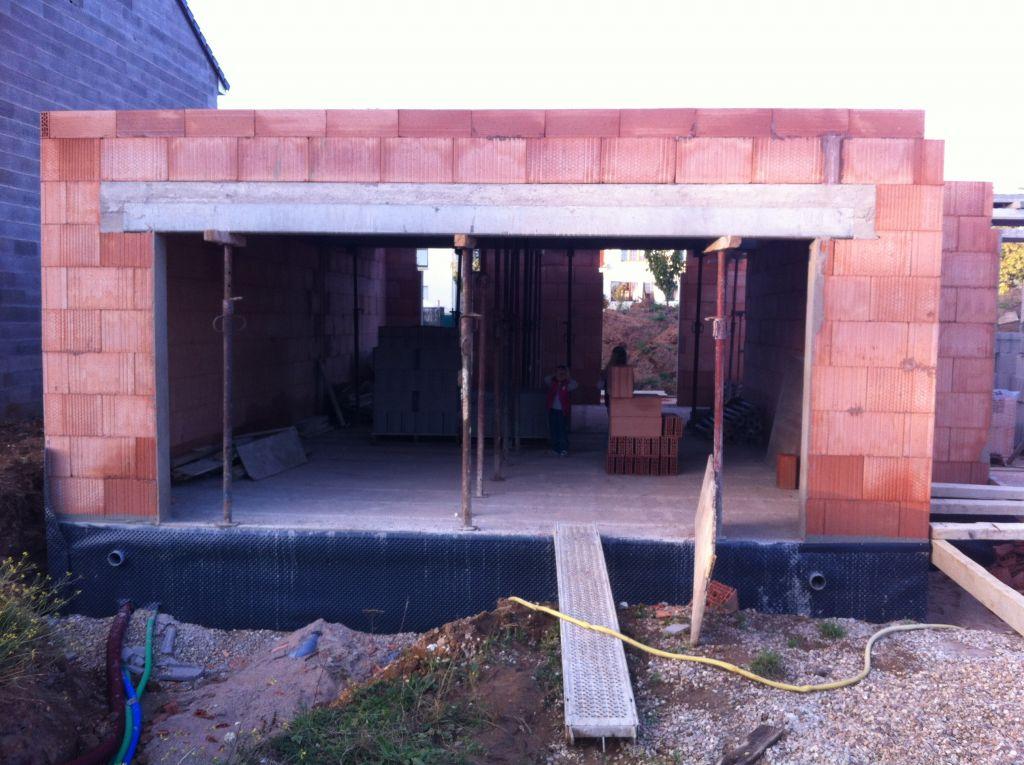 La partie garage et la dalle de l'étage posée