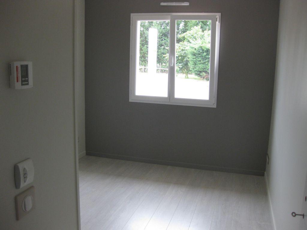 Décoration Chambre d'amis 10.5m2 - St Caprais De Bordeaux (Gironde - 33) - octobre 2012