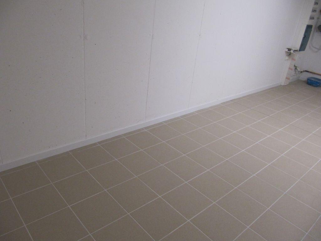 Le sol du garage les travaux d 39 ao t fin de l for Carrelage du midi