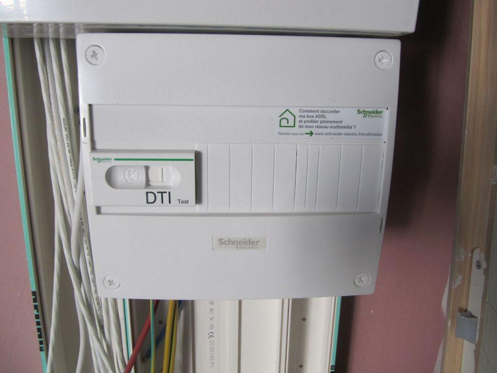 Branchement t l phonique sur boitier dti 9 messages for Boitier exterieur france telecom