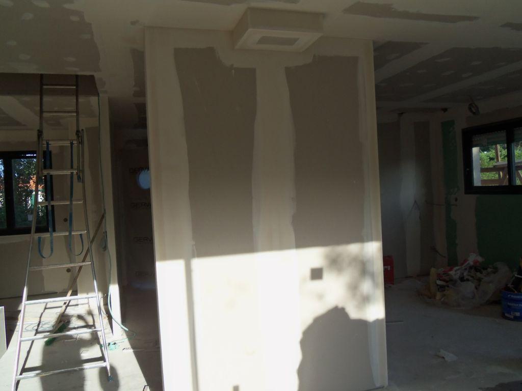Poele habillé, mur porteur rallongé pour centrage du poele, placos posés