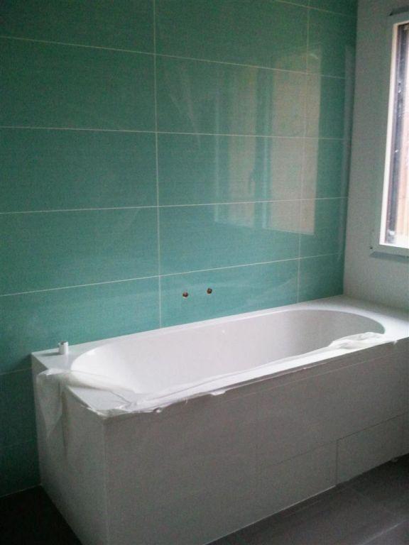 murs de la descente de garage salle de bain des parents salle de bain des enfants hauts de. Black Bedroom Furniture Sets. Home Design Ideas