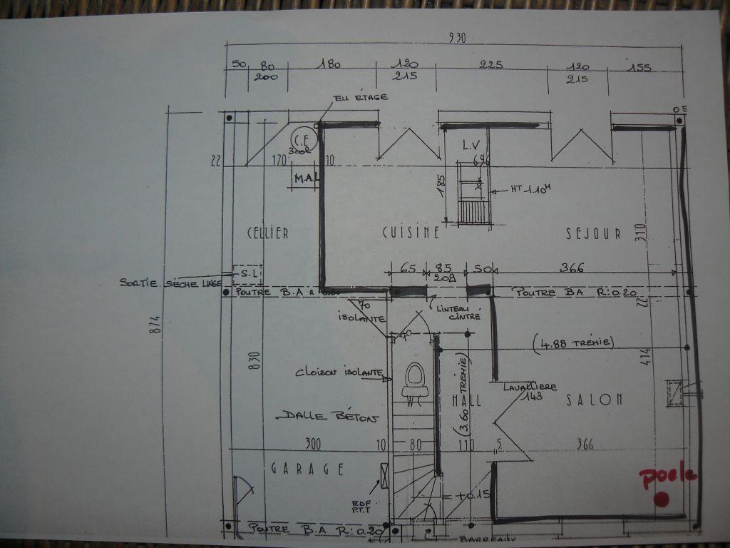 Voici le plan du rez de chaussée avec le positionnement du poele à granules en rouge.