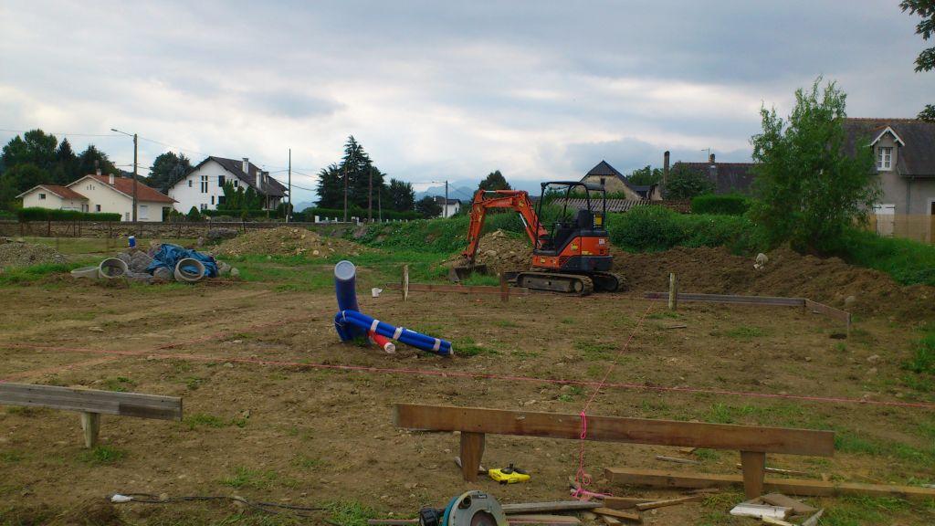 J'ai déterminé la position de la sortie du puits canadien à l'aide de 3 bornes par rapport à mes plans:  /- 20cm.