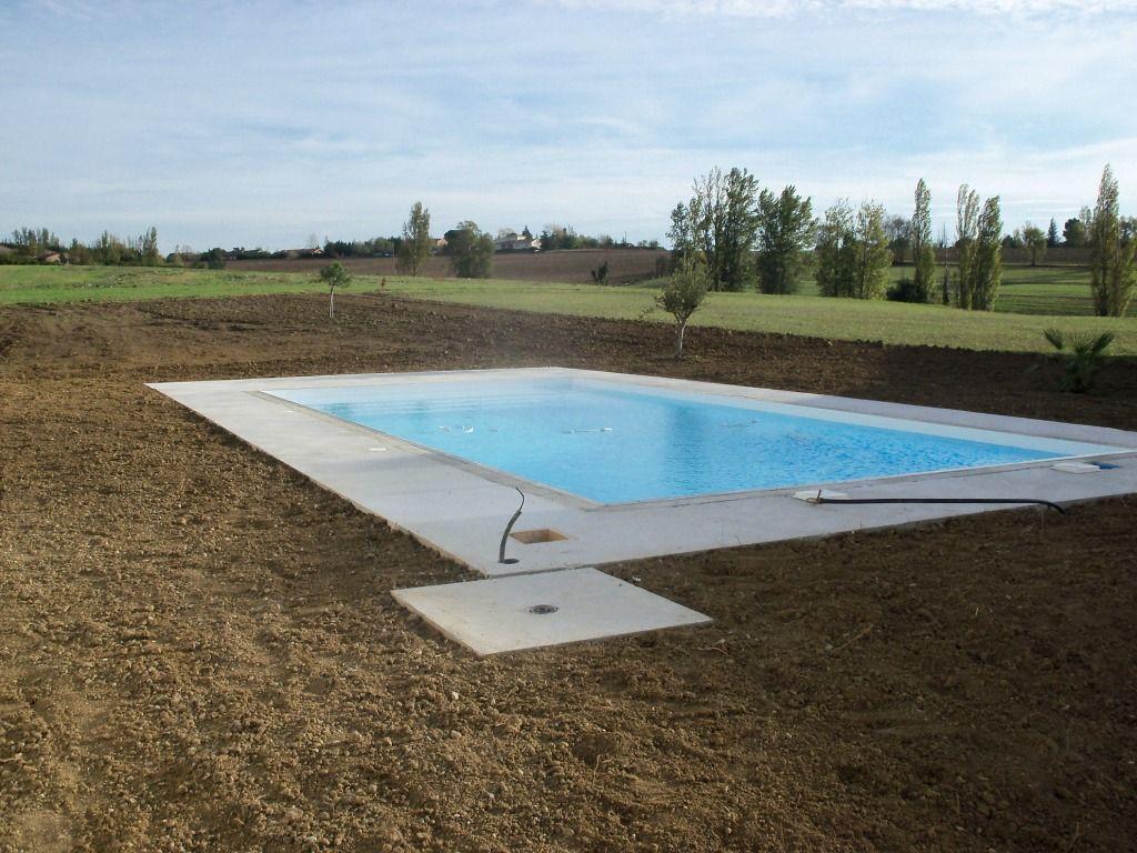 La piscine s 39 habille haute garonne for Piscine haute garonne