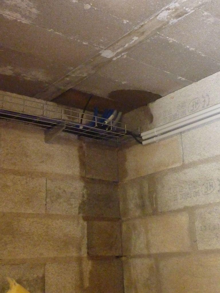 mes murs sont humides prix d assainissement de murs humides quel enduit pour mur humide good. Black Bedroom Furniture Sets. Home Design Ideas