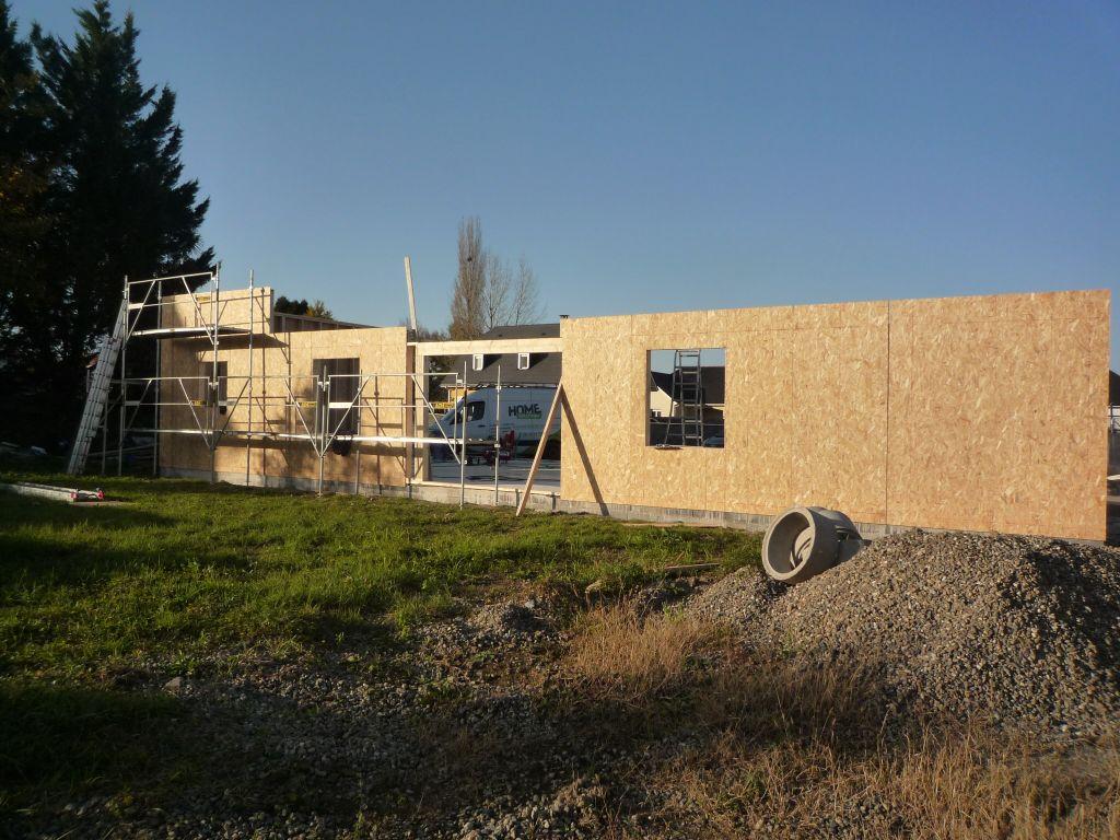 Mur sud avec l'emplacement de la baie vitrée, une fenêtre a découper...