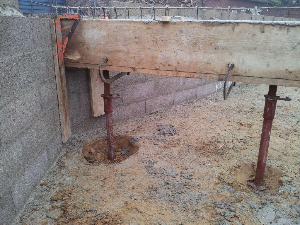 Prise de vue pour obstacle évacuation eaux usées, hauteur sous poutre 60cm, angle chambre parents