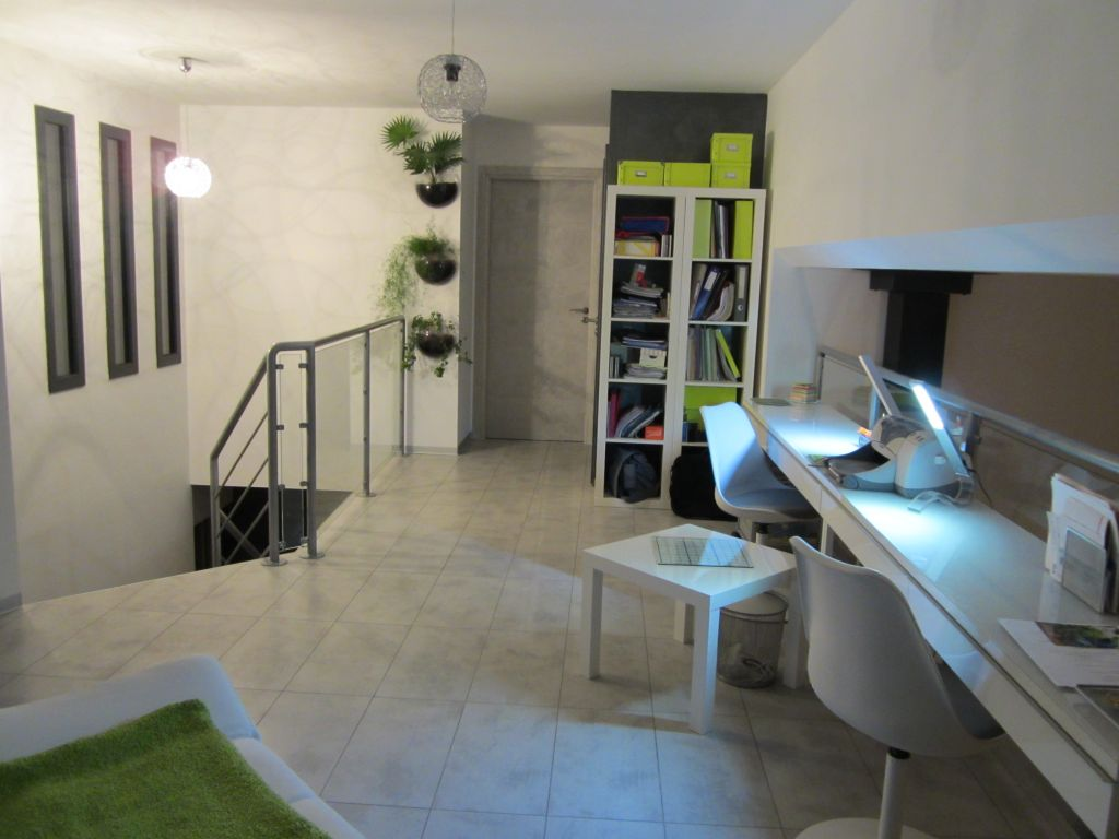 Bureau 18m2 mobilier blanc - Cote D'or (21) - décembre 2012