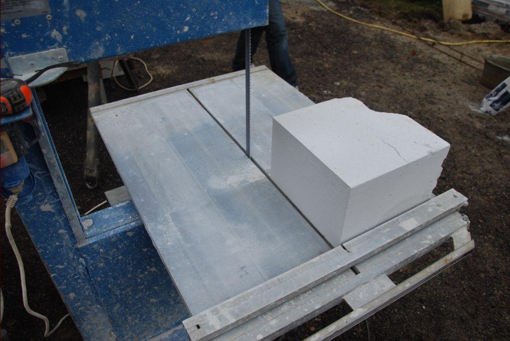 Les blocs cassés sont utilisés pour les recoupes