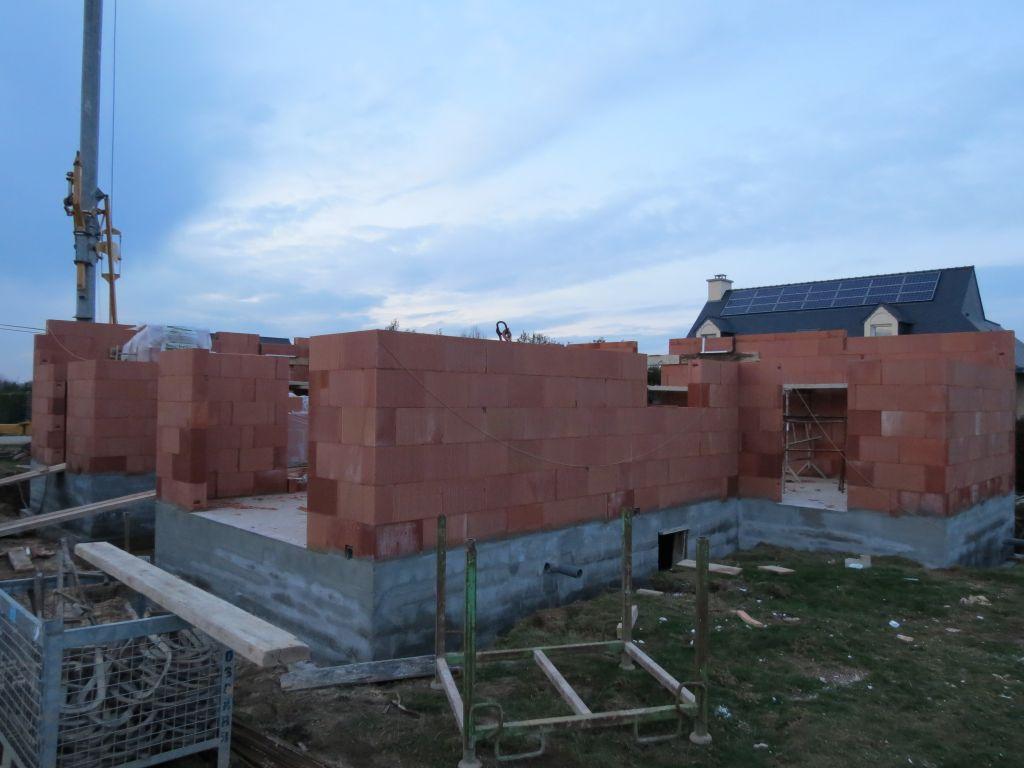 vue sur future chambre du rdc et les futures baies du salon séjour
