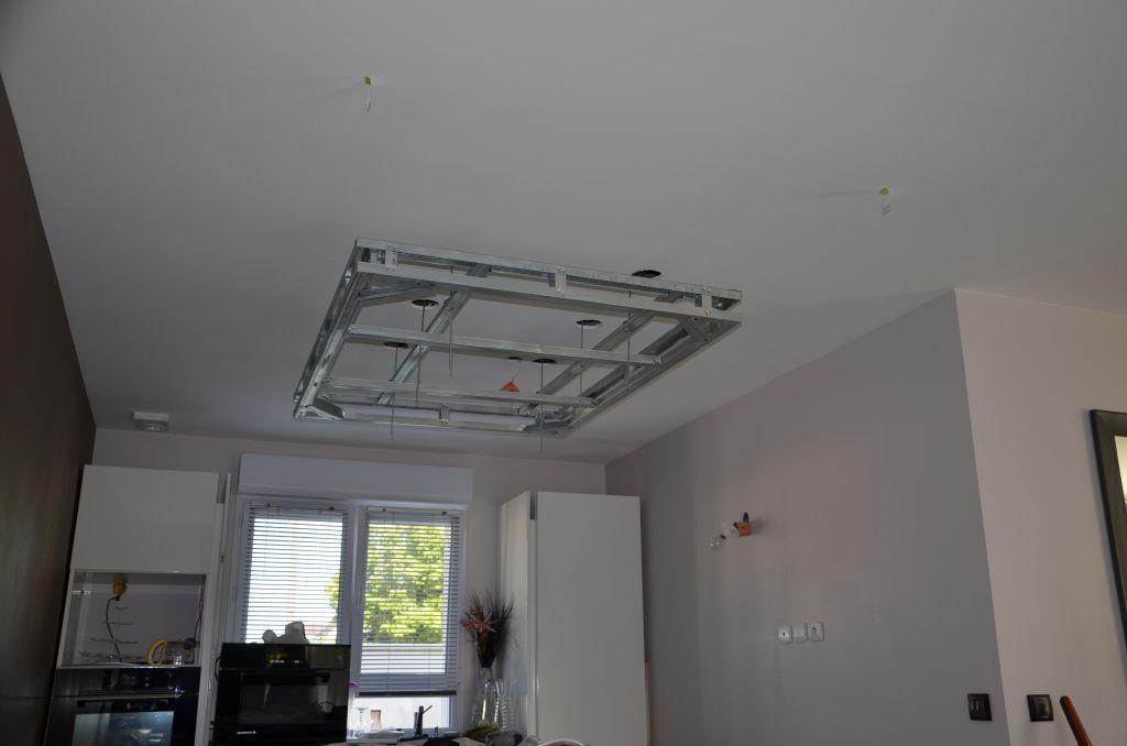 coffrage placo plafond cration dun plafond en placo dans une salle de bain porspoder ud placo. Black Bedroom Furniture Sets. Home Design Ideas