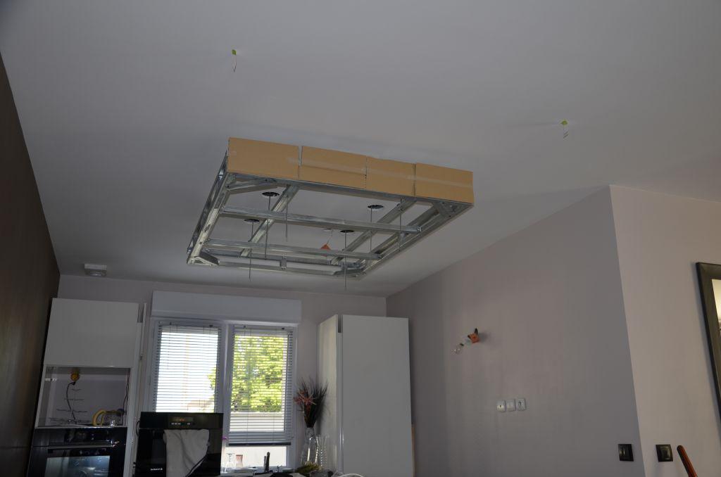 Spots plafond rdc r alisation compl te de l 39 il t for Comment faire un plafond suspendu