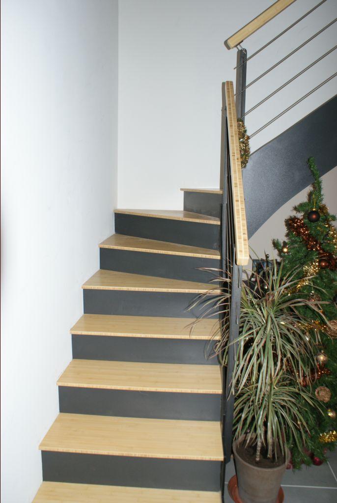 escalier beton et bois id e inspirante pour la conception de la maison. Black Bedroom Furniture Sets. Home Design Ideas