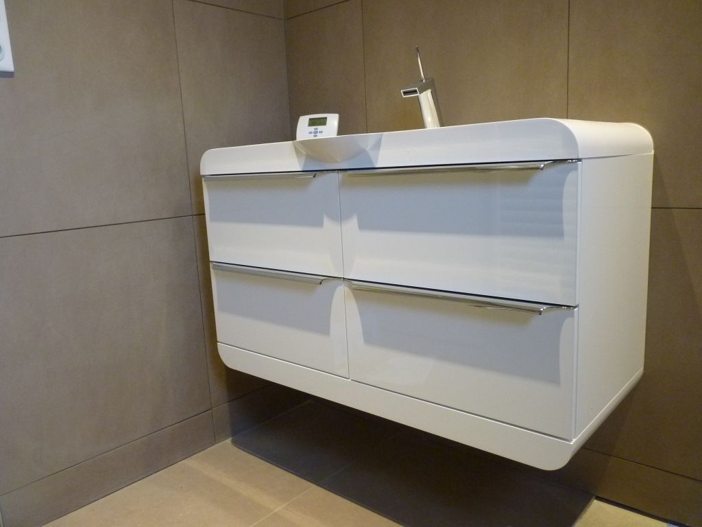 Photo meuble salle d 39 eau parents d coration haute - Meubles salle d eau ...