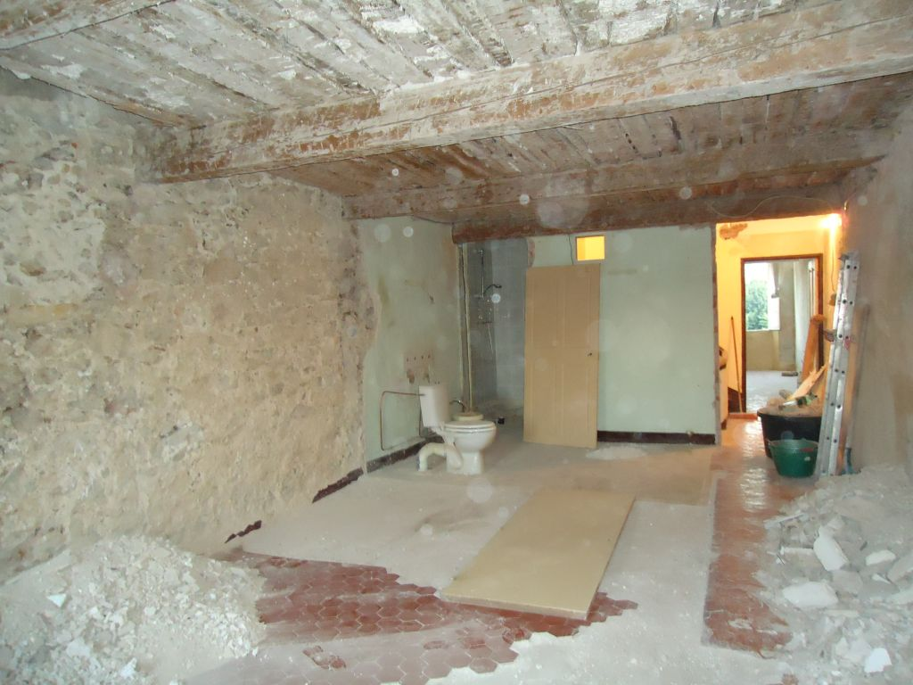 Déplâtrage du plafond chambre nord 1er