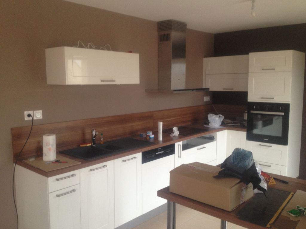 Premi re plantation parquet dans les chambres montage - Parquet dans la cuisine ...