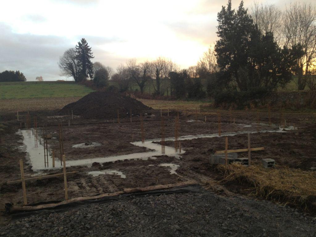 Notre chemin d'accès est terminé, les fondations sont coulées!