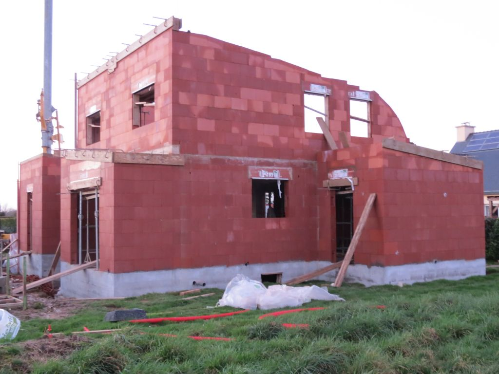 la maison prend ses formes avec les descentes sur chambre et salon